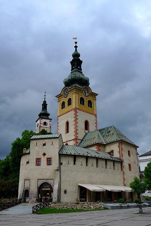Banská Bystrica, hrad a kostoly. Z výletu Banskobystrické uličky v každom počasí: http://www.podmevon.sk/vylet/1xlu9mbja2