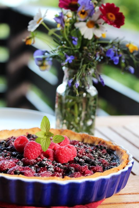 Blåbær- og bringebærterte
