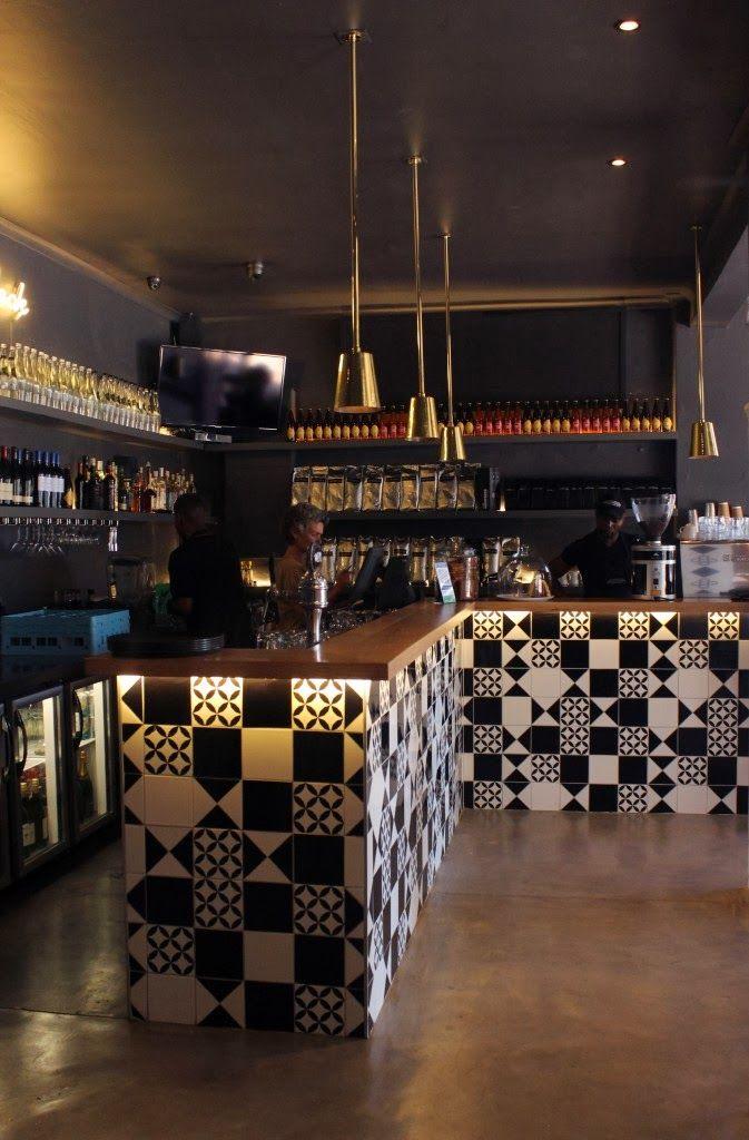 Bootlegger, un nouveau bar/restaurant à Cape town noir blanc tiles carrelage graphique