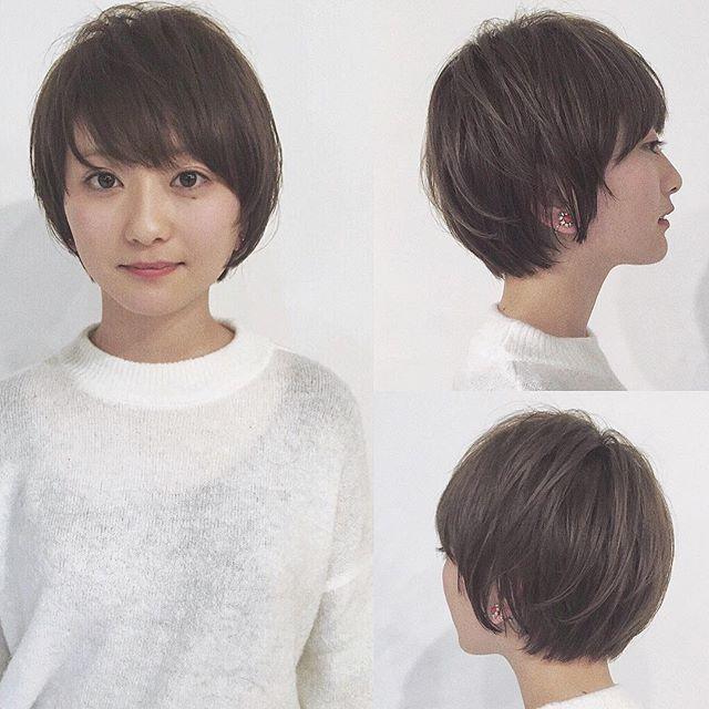オーダーが多いショートヘア🌫 前髪は奥から広く、丸さがかわいい💄  #紺野ショート #ショートとボブのあいだ #本日のショートヘア#ヘアカタログ#ショート#ショートヘア#ショートカット#ショートボブ#マッシュ#マッシュショート#髪型#ショートバング#ヘアアレンジ#前下がりショート#前下がり#前髪#ななめ前髪#流し前髪#くせ毛#ショート女子#表参道#東京#美容学生#イルミナカラー#ハイトーン#横顔#shorthair#haircolor#bob