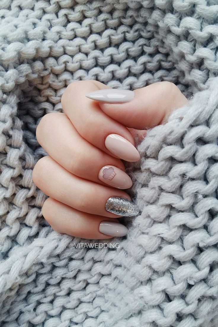 Nude design of manicure and silver. 2017. Gray and beige design. Nailarts Cake. @vitawedding