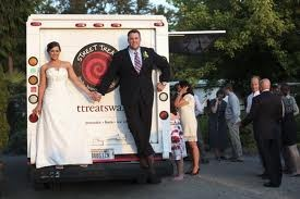 Food trucks for weddings are one of my favorite trends; it is a fun and delicious way to support a local small business. @Tracy Street Treats - Seattle, Washington #foodtrucks #wedding