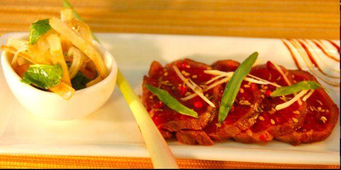 Tataki de bœuf au sésame et citron, marinade d'asperges