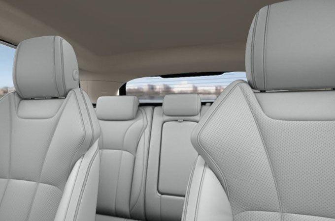 The Range Rover Evoque HSE's sophisticated interior design.