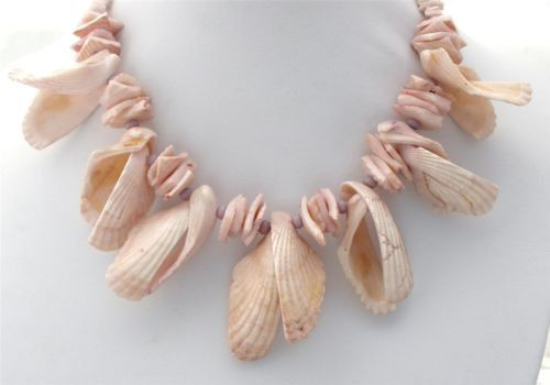 Vintage Natural Sea Shell Necklace - This is an 18 inch long hand carfted Hand Crafted Estate Jewelry It measures 18 inches long, and approximately 2.13 inch at widest point.