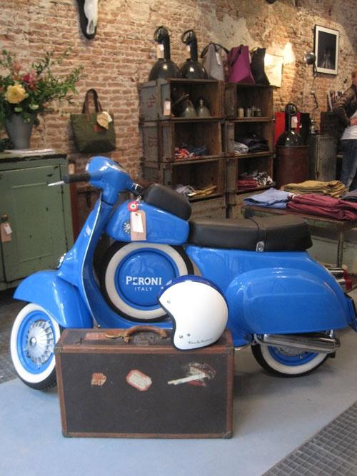 1000 images about brands scooters on pinterest donald o 39 connor vintage vespa and vespa sprint. Black Bedroom Furniture Sets. Home Design Ideas