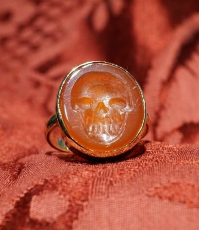 """""""Calavera"""" skull ring in gold 18 kt with carnelien intaglio. Dogale Jewellery Venice Italia"""