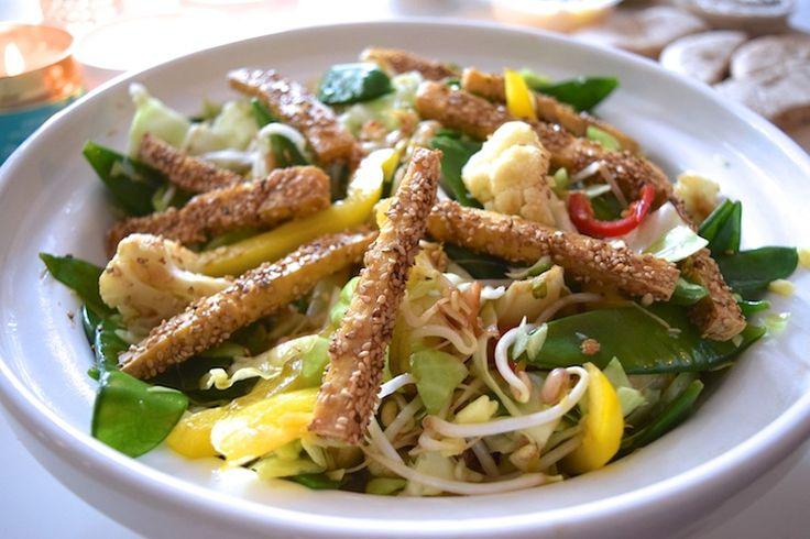 Tofu-friet met Aziatische salade