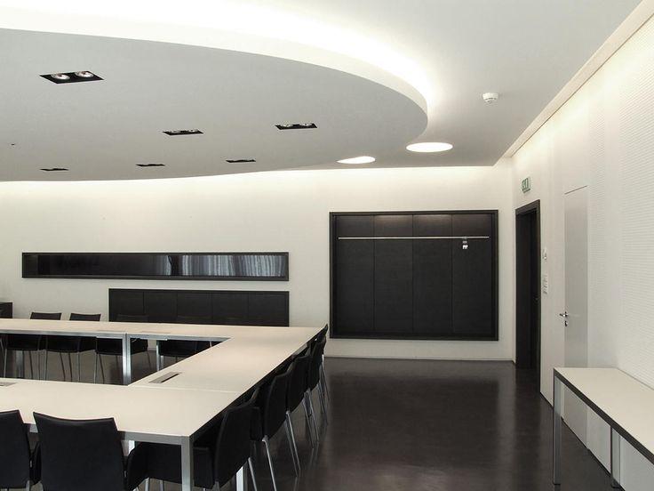 Progetto della sala riunioni della RSI a Comano. Progetto di illuminazione, progetto di ...