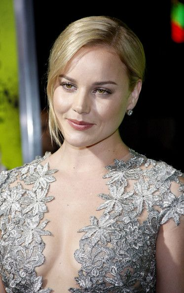 Courtly Abbie Cornish ...Sumptuous silhouette of my dreams ... Abbie Cornish