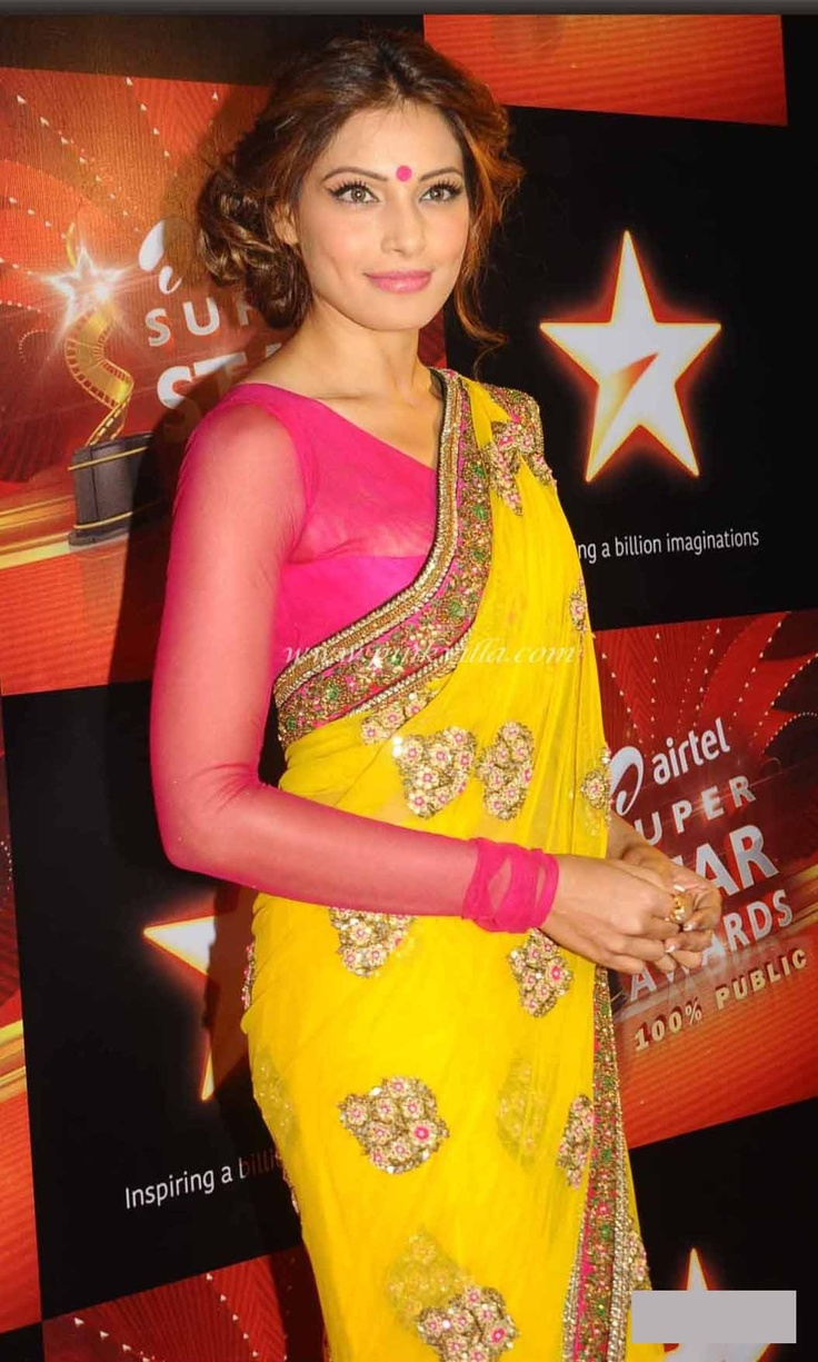 cool Hot Bollywood Actress Bipasha Basu in Yello Saree