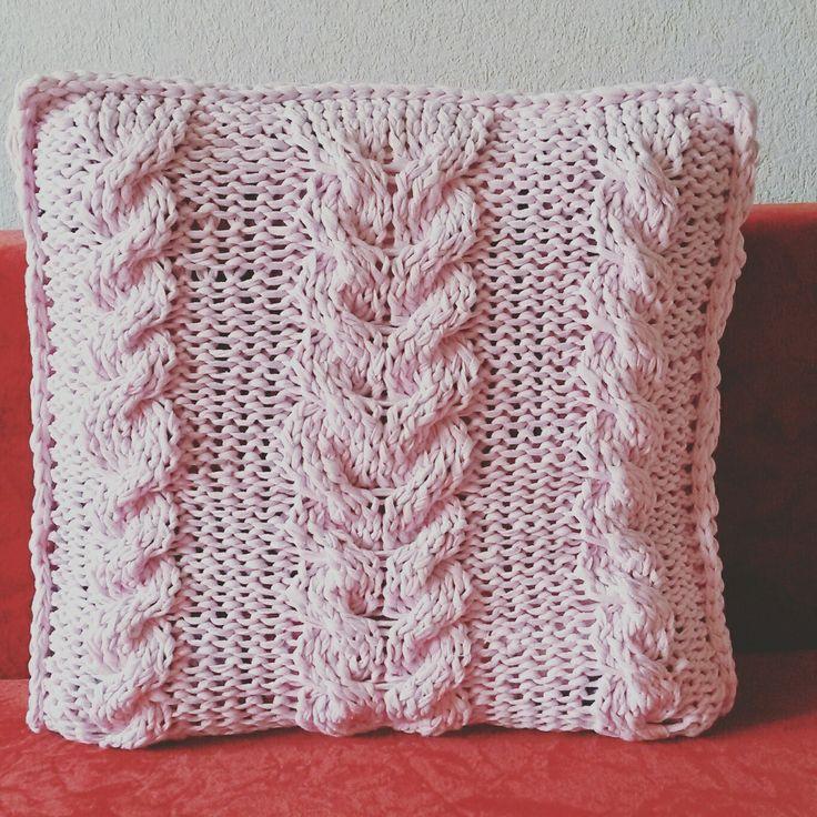 Подушка из трикотажной пряжт