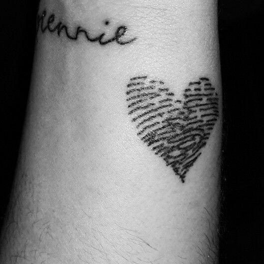 1000 ideas about fingerprint heart tattoos on pinterest thumbprint tattoo couple tattoos. Black Bedroom Furniture Sets. Home Design Ideas