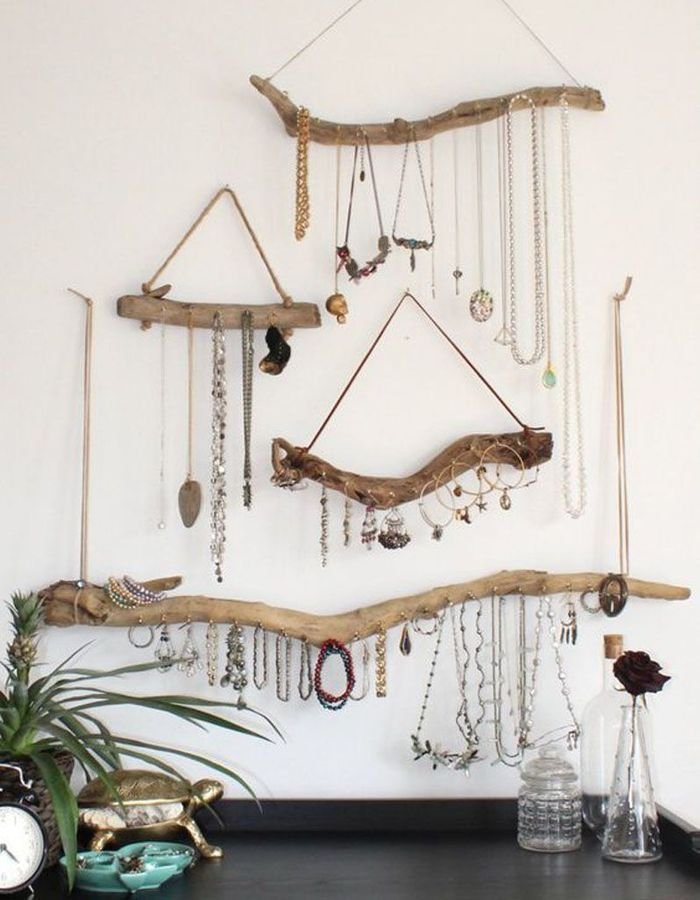 Amazing Create jewelry storage via driftwood and string