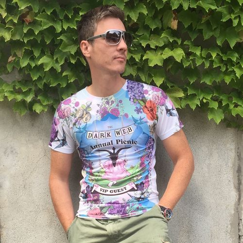 "⭐️⭐️⭐️⭐️⭐️ ""I love my all over sublimation tee. The printing is superfine. It really stands out! Than..."" -Jean François B."