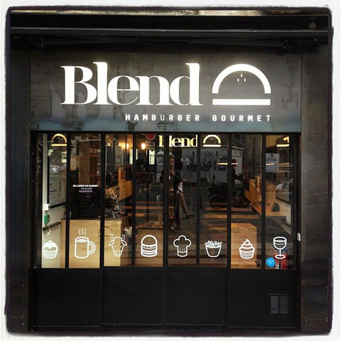 At Blend, they proudly grind their meat daily from cuts chosen by Yves-Marie le Bourdonnec, Paris' best butcher and creator of the NYT's best burger in the world. With their buns baked fresh, daily, by our Pastry chefs and original sauces, it's no wonder why Blend is a burger hotspot in Paris