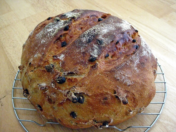 The Merlin Menu: Cinnamon Currant Bread - Dutch Oven Style