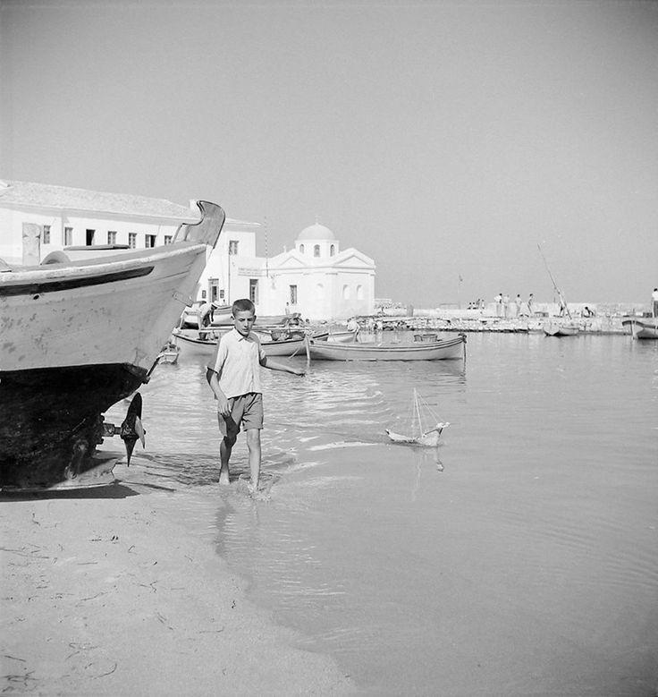 Μύκονος 1960... Φωτογράφος Πέτρος Μπρούσαλης. Αρχείο Μουσείου Μπενάκη.