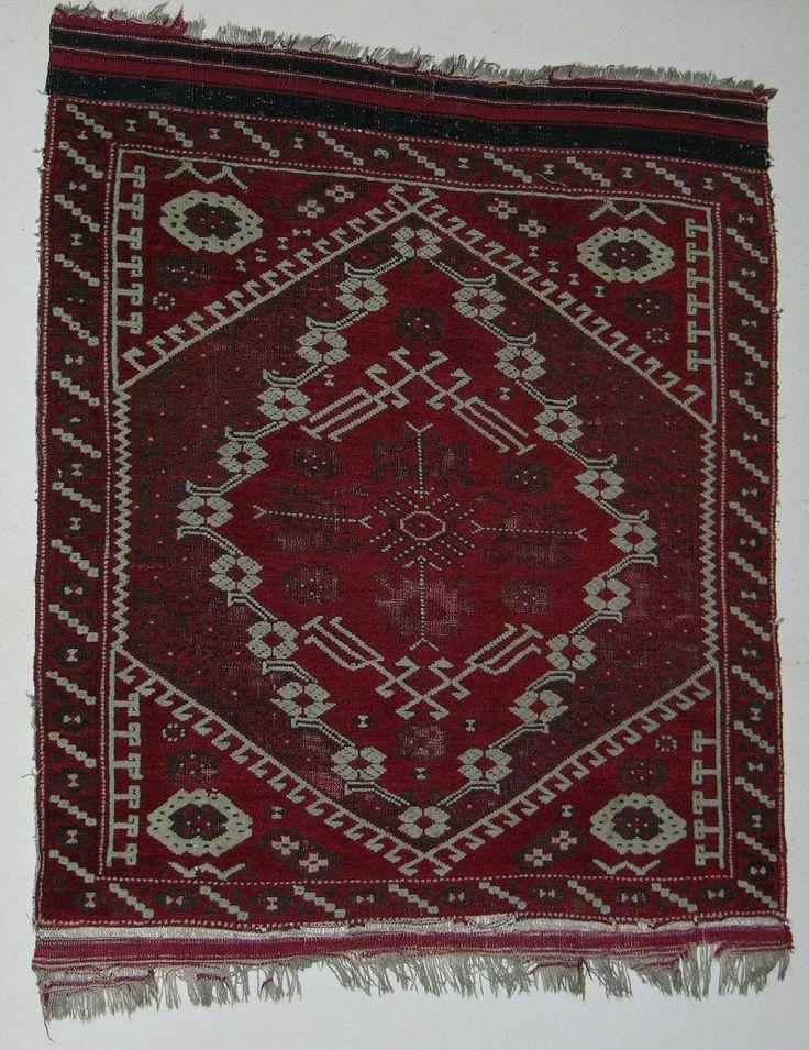 KIZ BERGAMA rug (Northwestern Anatolia), early 20th century.