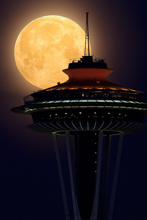Super moon over the Space Needle ~~ Houston Foodlovers Book Club