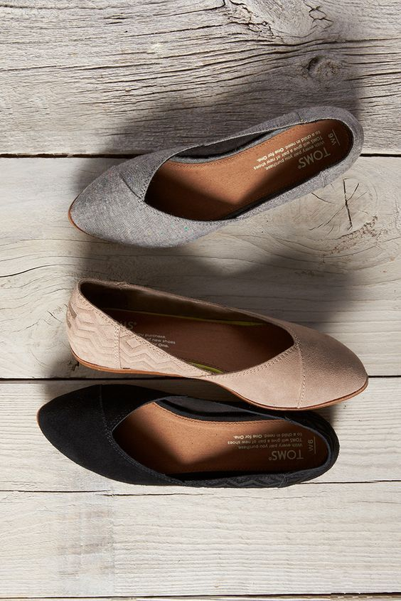 Embossed, suede or chambray. Slip on some comfortable TOMS Jutti Flats. 2