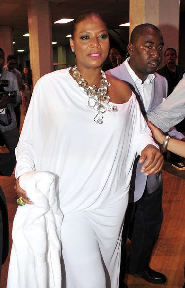Queen Latifah Jewelry - a lesson in scale (larger women look best in large jewelry - good news if we're talking diamonds!)