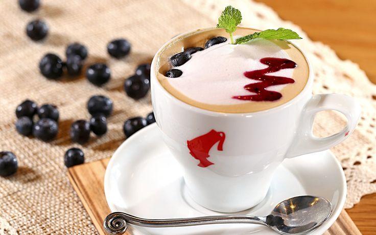 Кофемашина для дома: какую выбрать, отзывы, рейтинг моделей 2015 http://happymodern.ru/kofemashina-dlya-doma-kakuyu-vybrat-otzyvy-reyting-modeley/ Кофемашина для дома. Крепкий ароматный эспрессо-маккиато кофе-машина приготовит за 1-2 минуты, а вам останется лишь украсить пенку Смотри больше http://happymodern.ru/kofemashina-dlya-doma-kakuyu-vybrat-otzyvy-reyting-modeley/