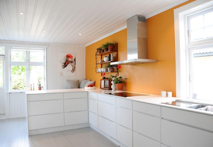 My orange kitchen. Dynamisksalong.blogspot.no