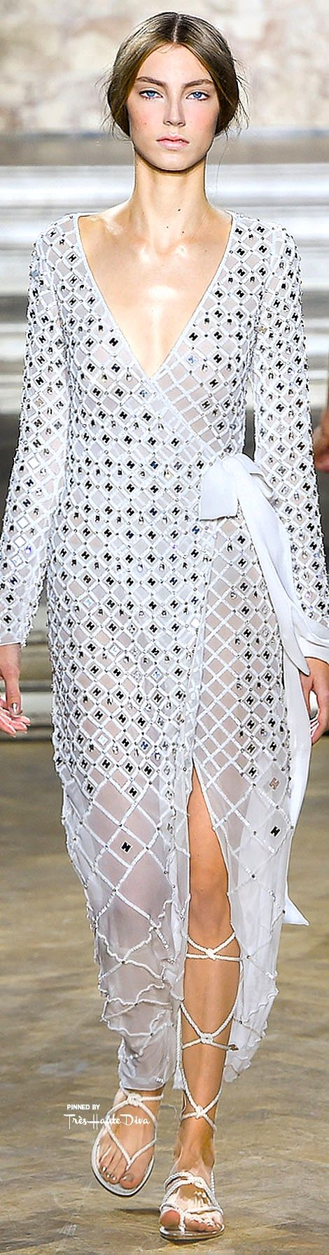 Temperly London Spring 2016 RTW ♔ Très Haute Diva ♔ For more fashion visit my website a http://www.treshautediva.com/temperley-london-spring-2016-pinterest