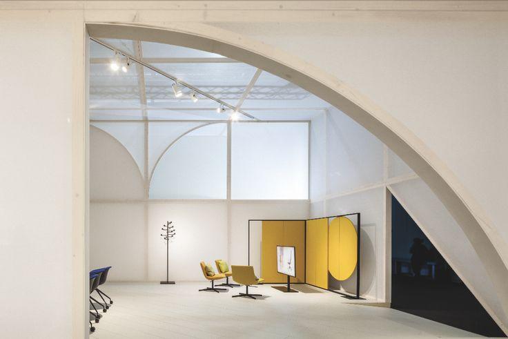 Arper's Workspace booth Milano 2017 / creative direction Studio Altherr / architecture Maio architects / Foto Marco Covi