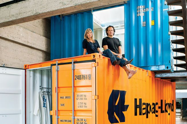 One of the most important steps in buying your own shipping container is finding a reputable distributor.