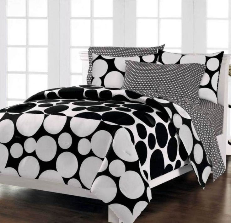 terrific Black And White Contemporary Bedding Sets ,   #Black And White Contemporary Bedding Sets wallpaper from http://homesdesign.us/?p=363