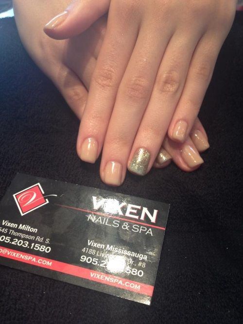 Nude Shellac Mani with accent nail www.vixenspa.com