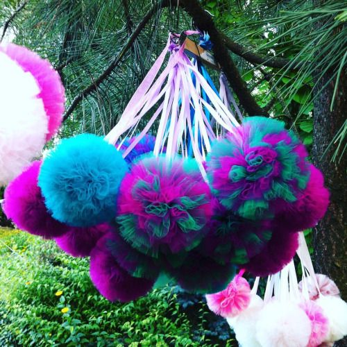 Is it a wild nature or urban handmade? Both… #handmade #tulle #tullepompoms #wedding #gardenparty #homedecor #homedecoration #etsy #pompom #tutu