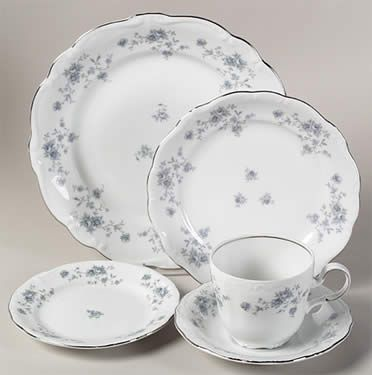 Haviland Blue Garland Dishes | 80pc Set for 12 Johann Haviland Blue Garland China Dinnerware Platinum ...