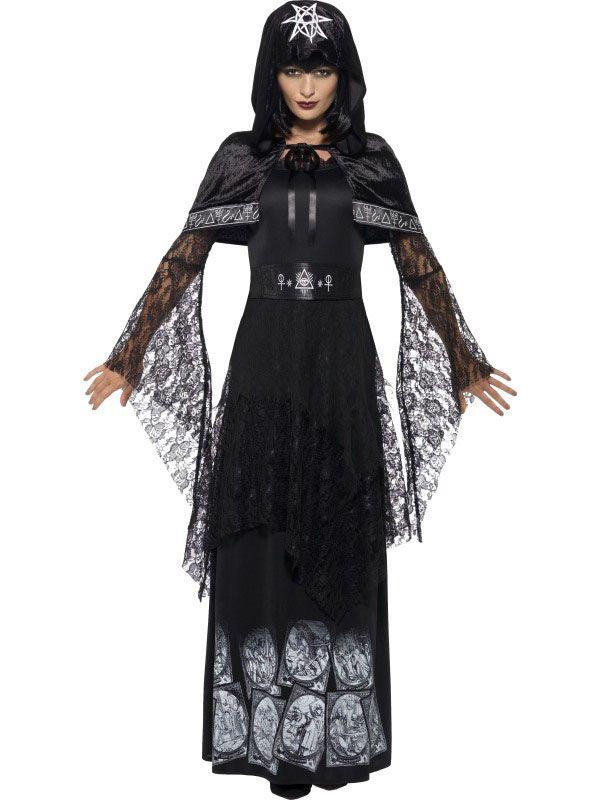 Déguisement maitresse de magie noire adulte Halloween : Ce déguisement de prêtresse de la magie noire pour femme se compose d'une robe, d'une ceinture et d'une cape. La robe longue est entièrement noire. Elle...