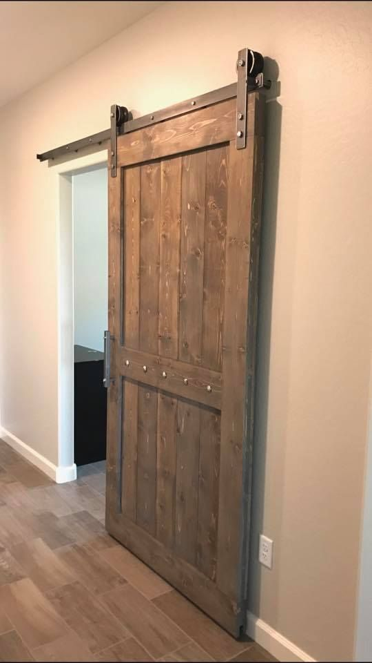 Clic Barn Door Farmhouse Farmhousestyle Farmhousedecor Fixerupper Magnolia Hgtv Barndoor Interiordesignideas Interiordesigner