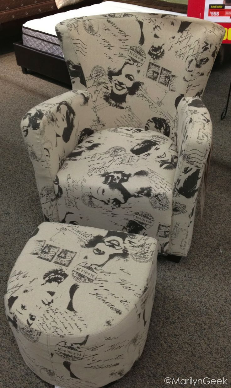 The Marilyngeek Blog Marilyn Monroe Chair And Ottoman Marilyn Monroe Bedroomchair And Ottomandecorating
