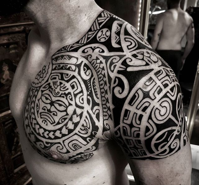 die besten 25 tattoo polynesisch ideen auf pinterest samoan designs maori design und. Black Bedroom Furniture Sets. Home Design Ideas