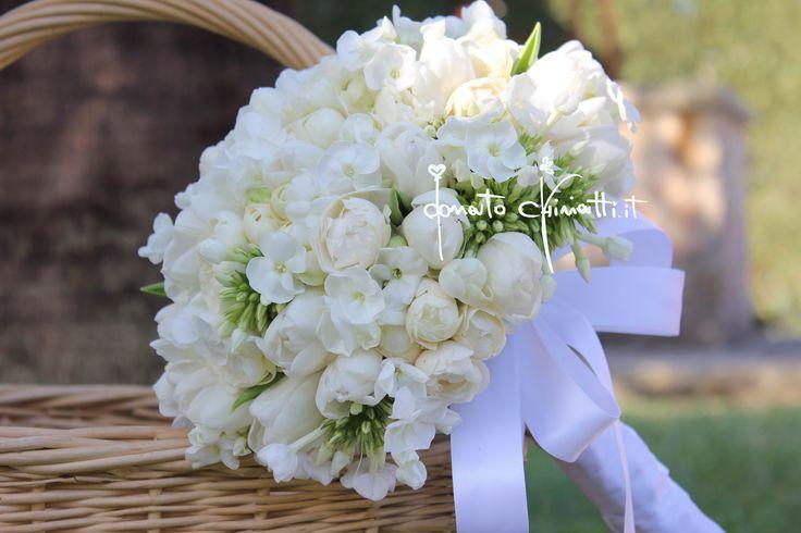 #BouquetDaSposa #WeddingStyle #Puglia #MatrimonioNelSalento #Phlox #Tulipani #Roselline #DonatoChiriatti