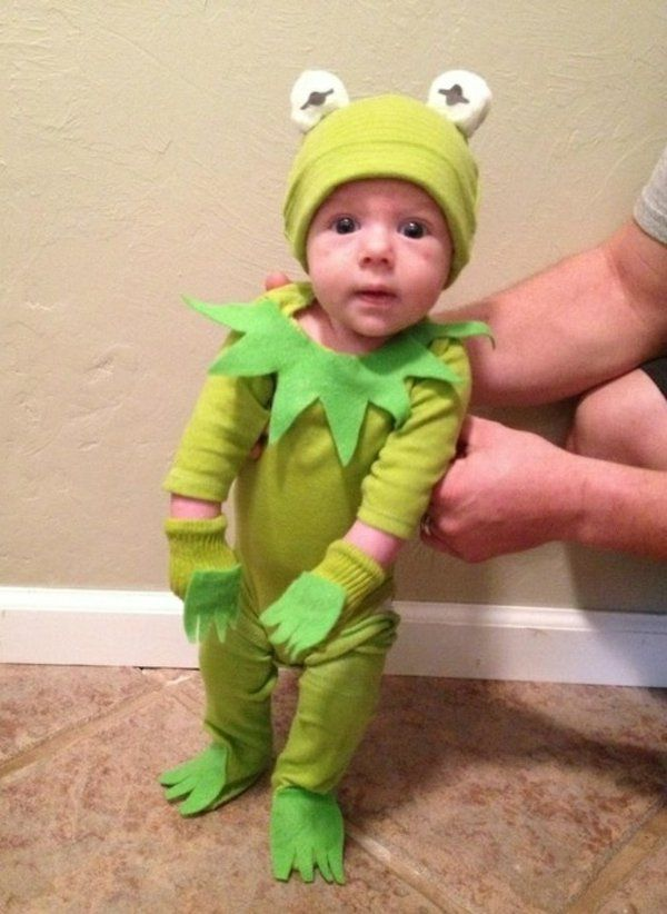 DIY Sesame Street Kermit the Frog Halloween Costume Idea 1