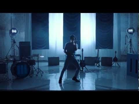 """Music video for Jack White's """"I'm Shakin'"""" directed by Dori Oskowitz. From Jack White 's debut Album BLUNDERBUSS."""