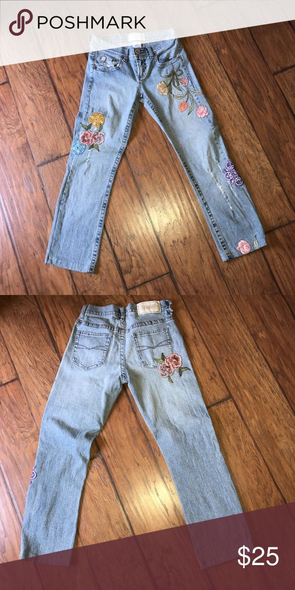 VINTAGE Embroidered Z.Cavaricci jeans these are vintage embroidered jeans. so cute for summer Z. Cavaricci Jeans Ankle & Cropped