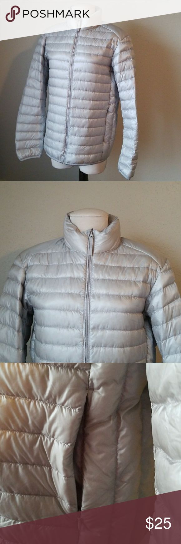 UNIQLO • SIZE M This Jacket it's very convient, it was a bag attached Uniqlo Jackets & Coats Utility Jackets