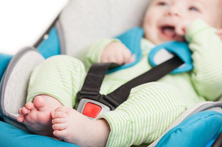 Sem dor: quiroprata ensina jeito simples de segurar bebê conforto