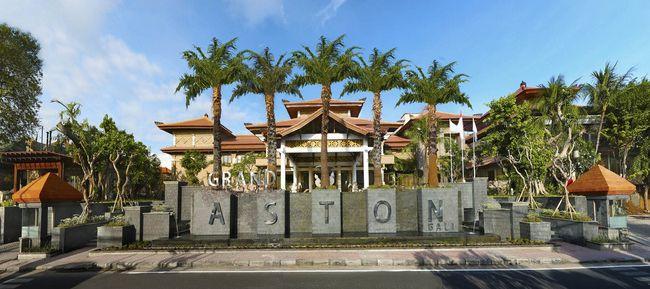 Grand Aston Benoa Bali Entrance (low).jpg