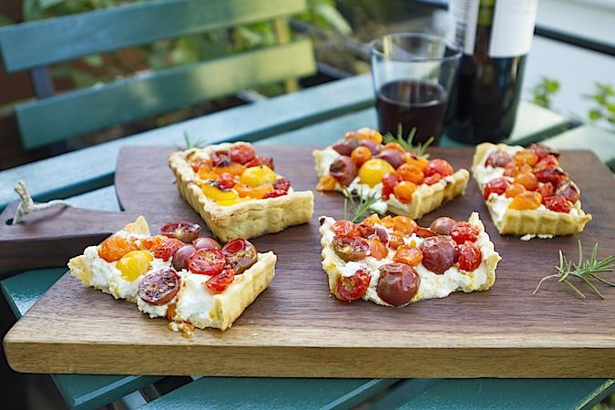Goat cheese and cherry tomatoes