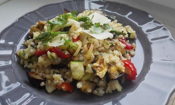 Pečená zelenina s pohankou a bulgurem
