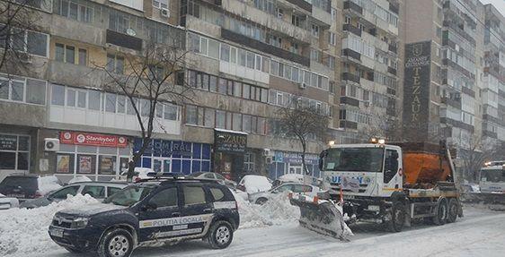 Primarul Sectorului 6, Rares Manescu, a dispus o serie de masuri privind combaterea efectelor ninsorilor si viscolului imediat dupa ce meteorologii au anuntat instituirea Codului Portocaliu de viscol
