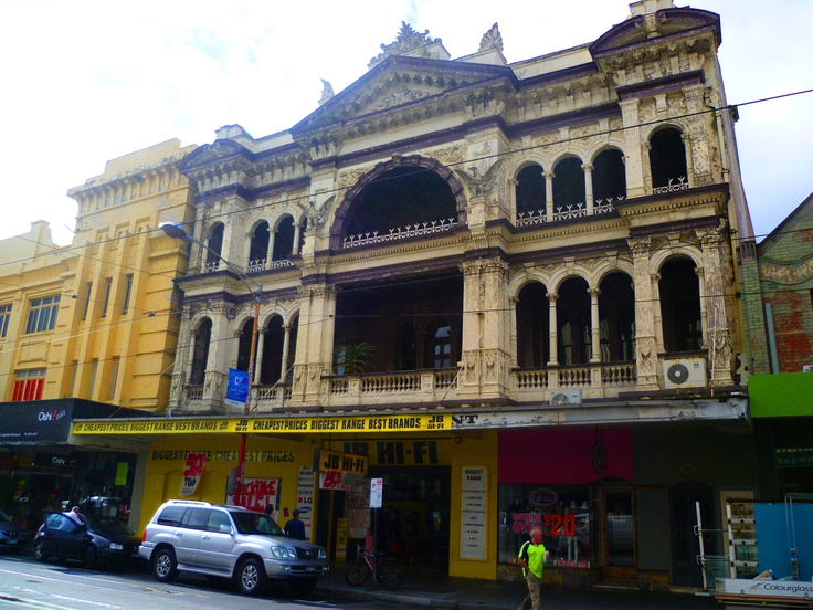this is an amazing building in Chapel Street, Prahran Melbourne Australia again another building that should be saved or repainted by some kind company